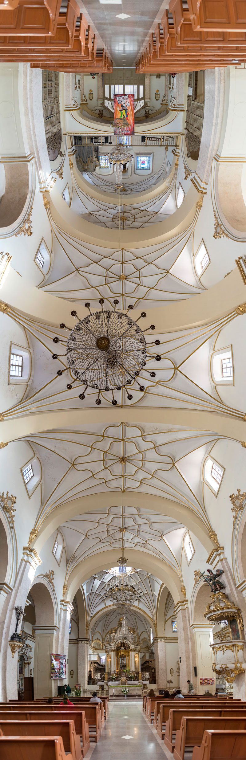 Vertical Panoramas of Church Ceilings Around the World (3)