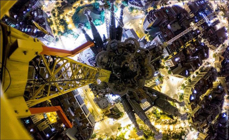 The Sagrada Familia Like You've Never Seen (7 Photos)