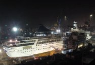 Amazing Timelapse Shows Cruise Ship Cut in Half and Extended