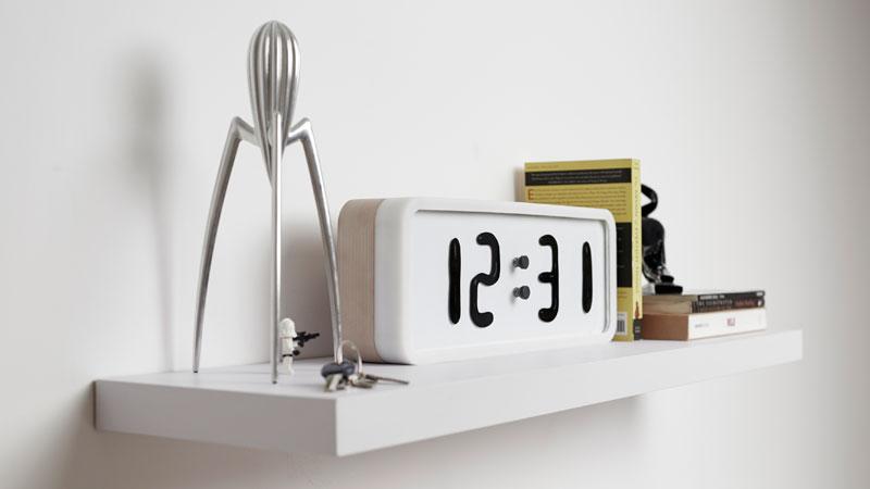 Rhei Electro-Mechanical Clock with Liquid Display Mangets Ferrofluids (4)