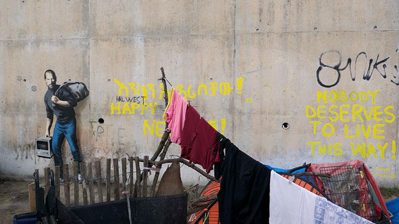Banksy Mural of Steve Jobs Highlights Refugee Crisis (5)