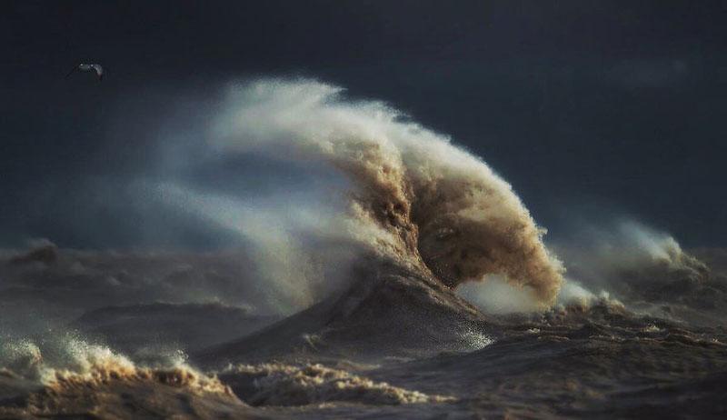 crashing waves liquid mountains by dave sandford (14)