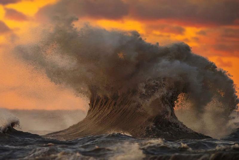 crashing waves liquid mountains by dave sandford (17)