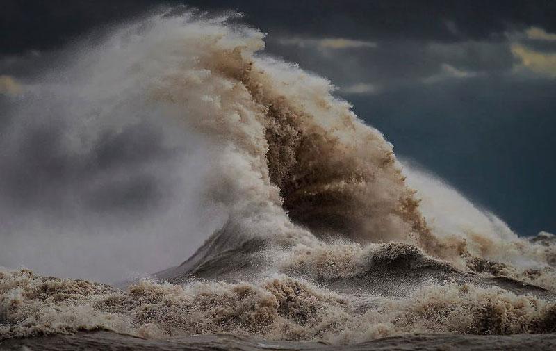 crashing waves liquid mountains by dave sandford (19)