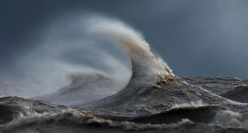 crashing waves liquid mountains by dave sandford (7)