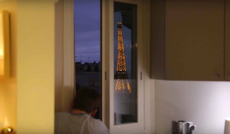 guy makes diy periscope so he can see eiffel tower from bed (1)