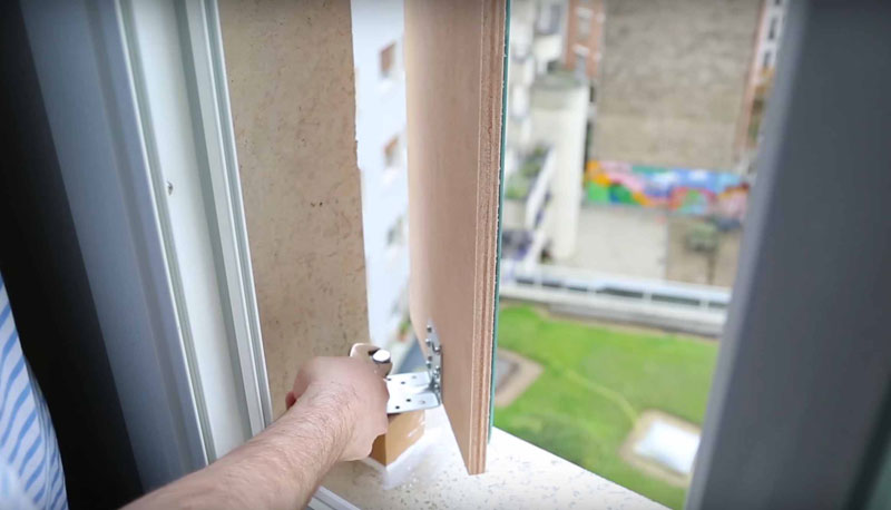 guy makes diy periscope so he can see eiffel tower from bed (11)