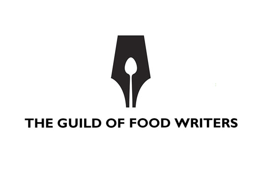 guild of food writers logo negative space 15 Logos That Found a Creative Use for Negative Space