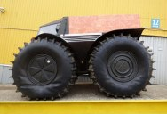 This Russian-Designed, Amphibious Truck with Self-Inflating Tires Looks Badass