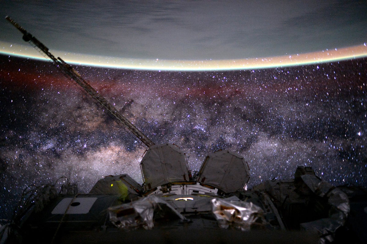 best pics from year in space nasa scott kelly (10)