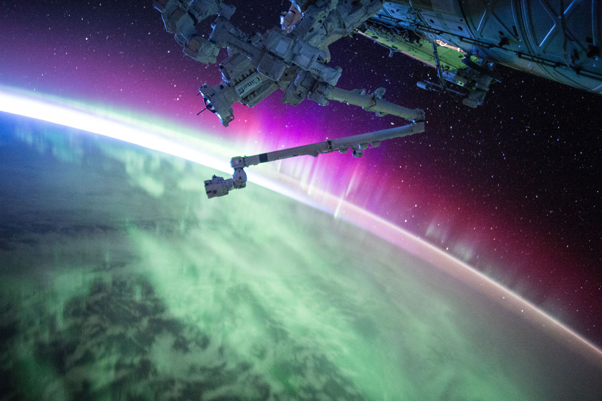 best pics from year in space nasa scott kelly (14)