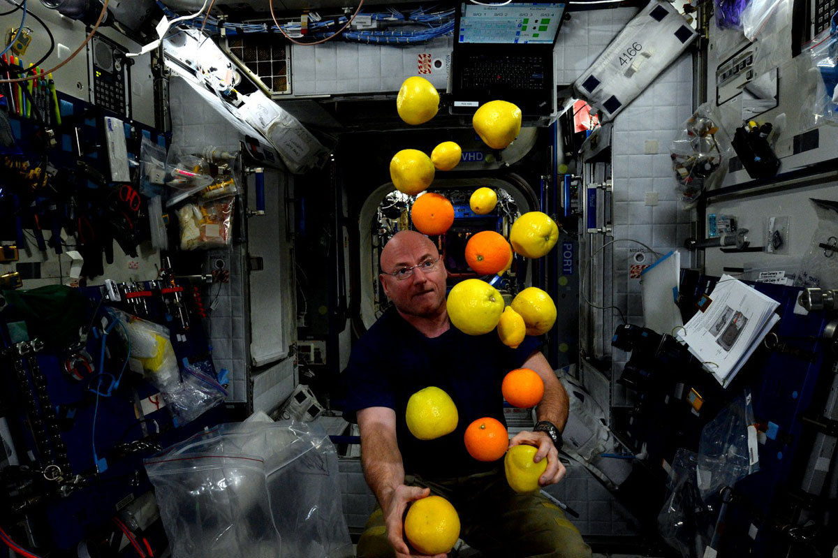 best pics from year in space nasa scott kelly (15)