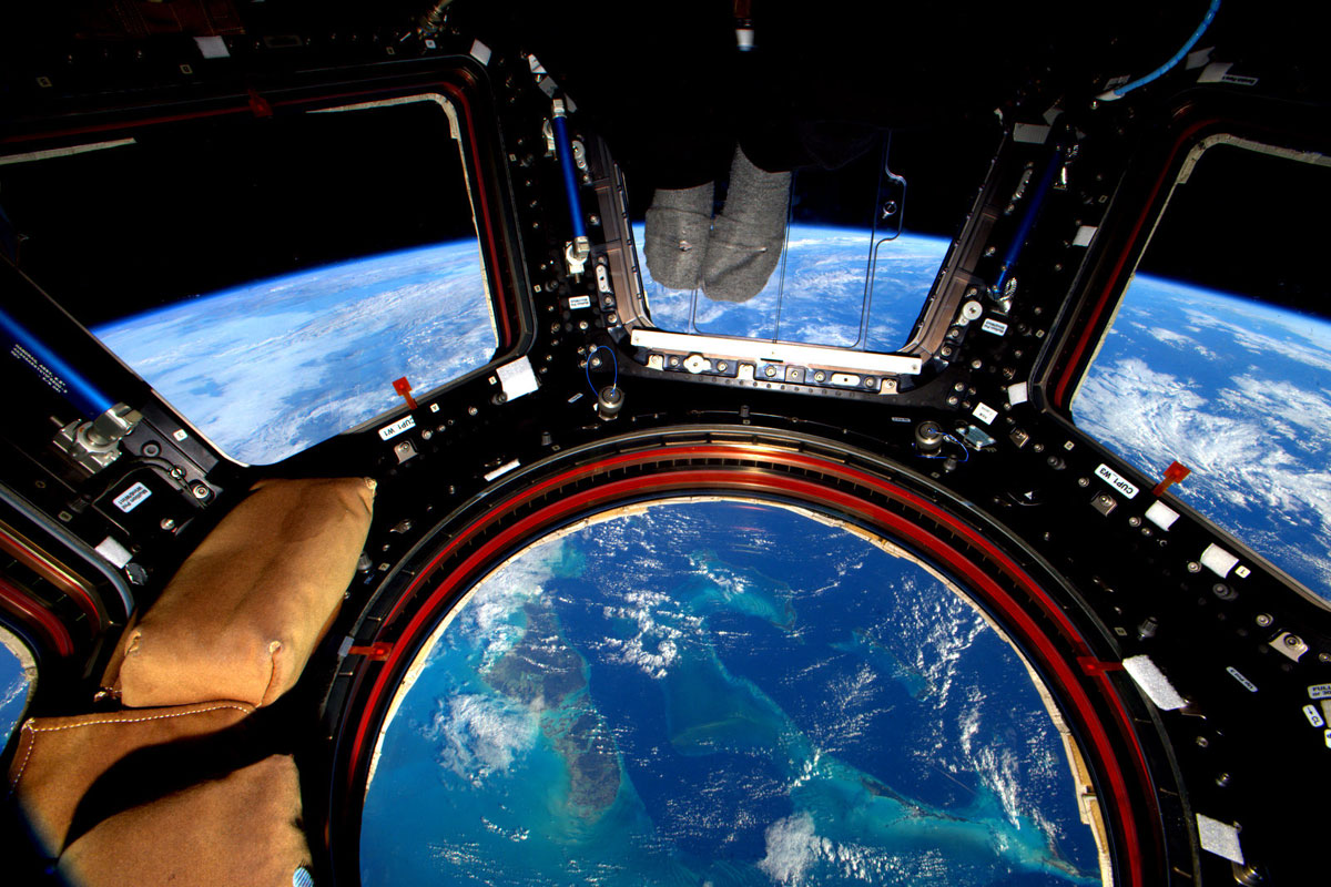 best pics from year in space nasa scott kelly (26)