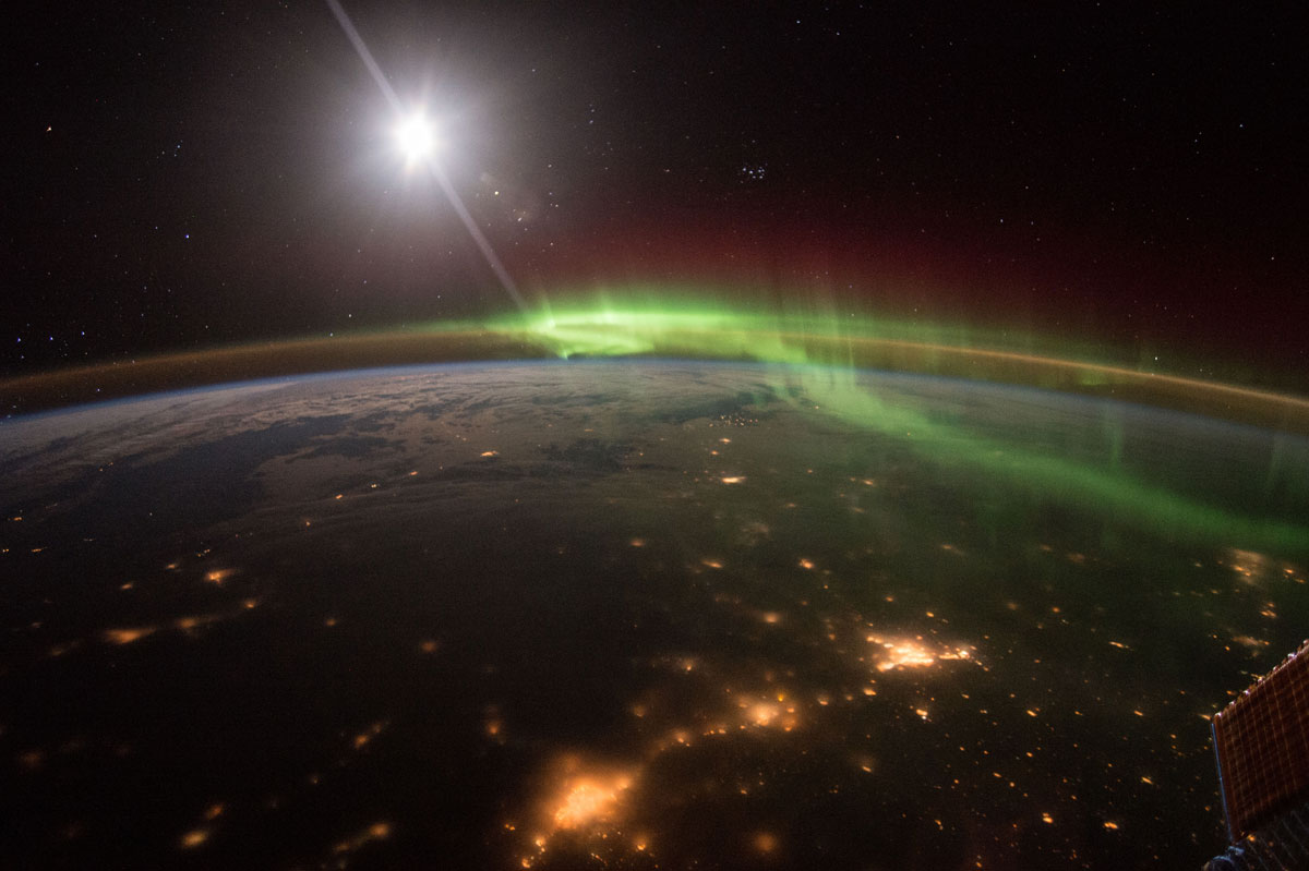 best pics from year in space nasa scott kelly (33)