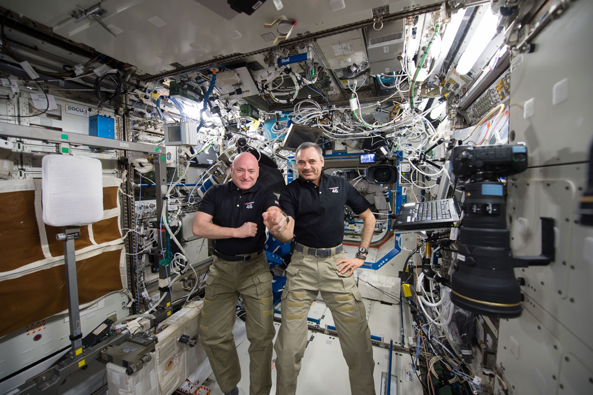 best pics from year in space nasa scott kelly (34)