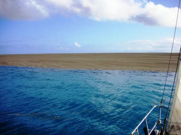 boaters witness birth of an island underwater volcano (4)