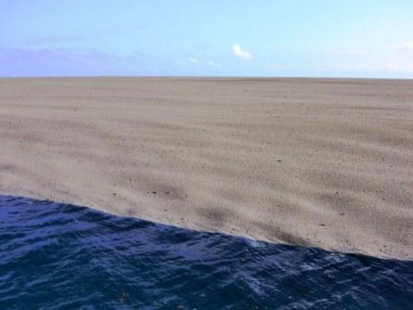 boaters witness birth of an island underwater volcano (5)