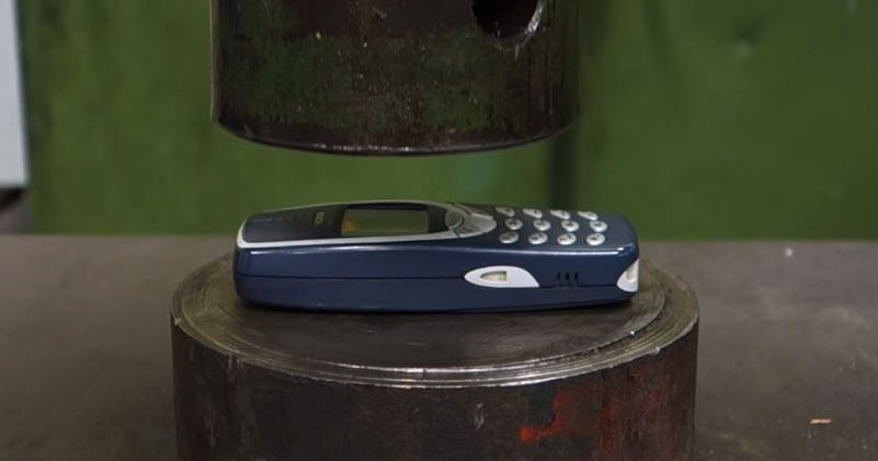 The Indestructible Nokia 3310 vs The Unstoppable Hydraulic Press
