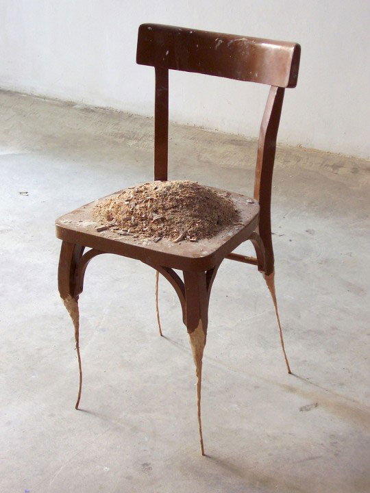 jaime pitarch everyday objects stripped of their functionality (1)