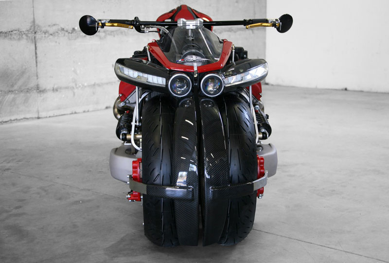 motorcycle powered by maserati engine Lazareth LM 847 (3)