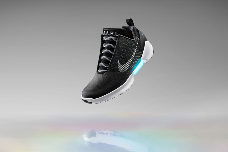 Nike Unveils Power Lacing Shoes That Automatically Tighten (5)