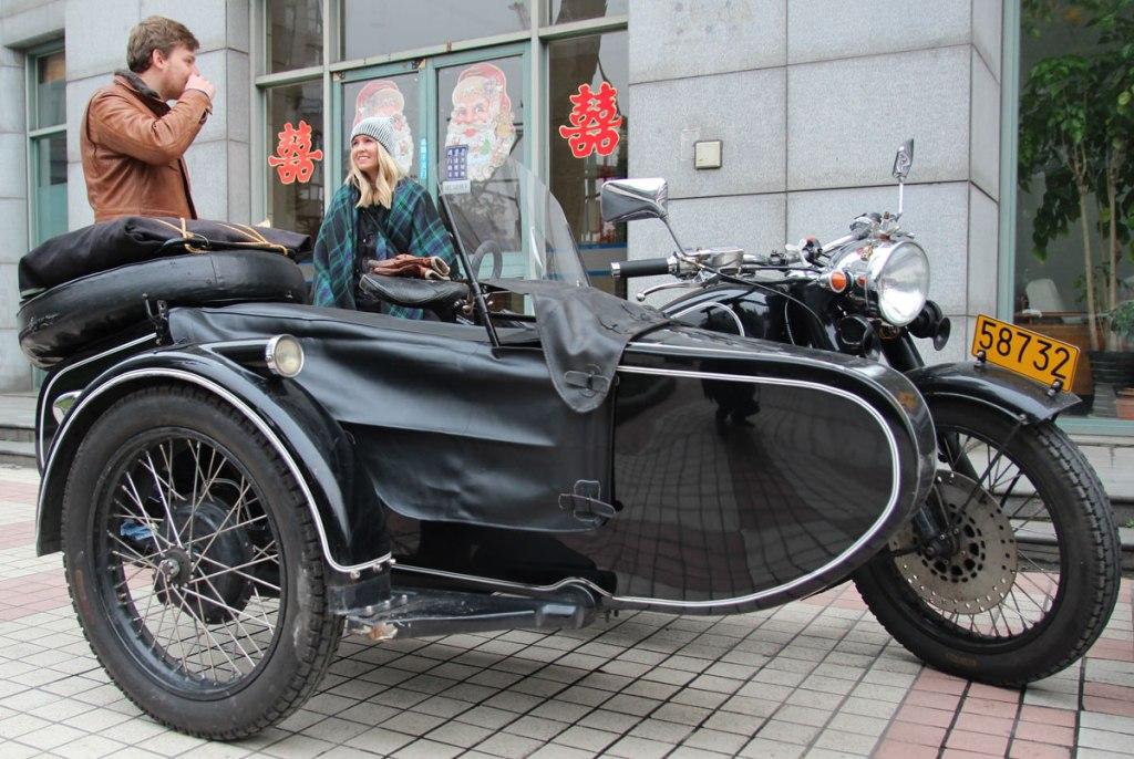 Exploring Shanghai in an Old School Sidecar (32 Photos)