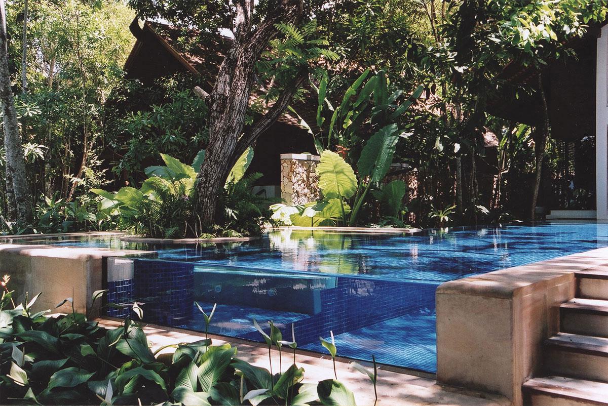 transparent-pool-Tubkaak Krabi Boutique Resort-thailand