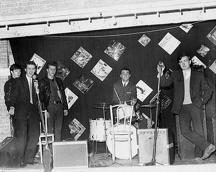 Candid Photos from the Time the Beatles Played to a Crowd of 18 People (1)