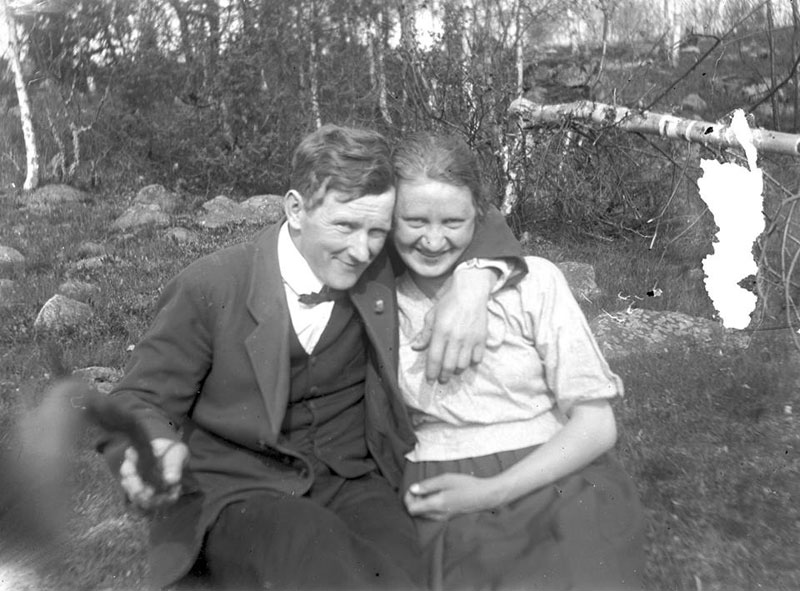 Picture of the Day: The Original Selfie Stick, 1934
