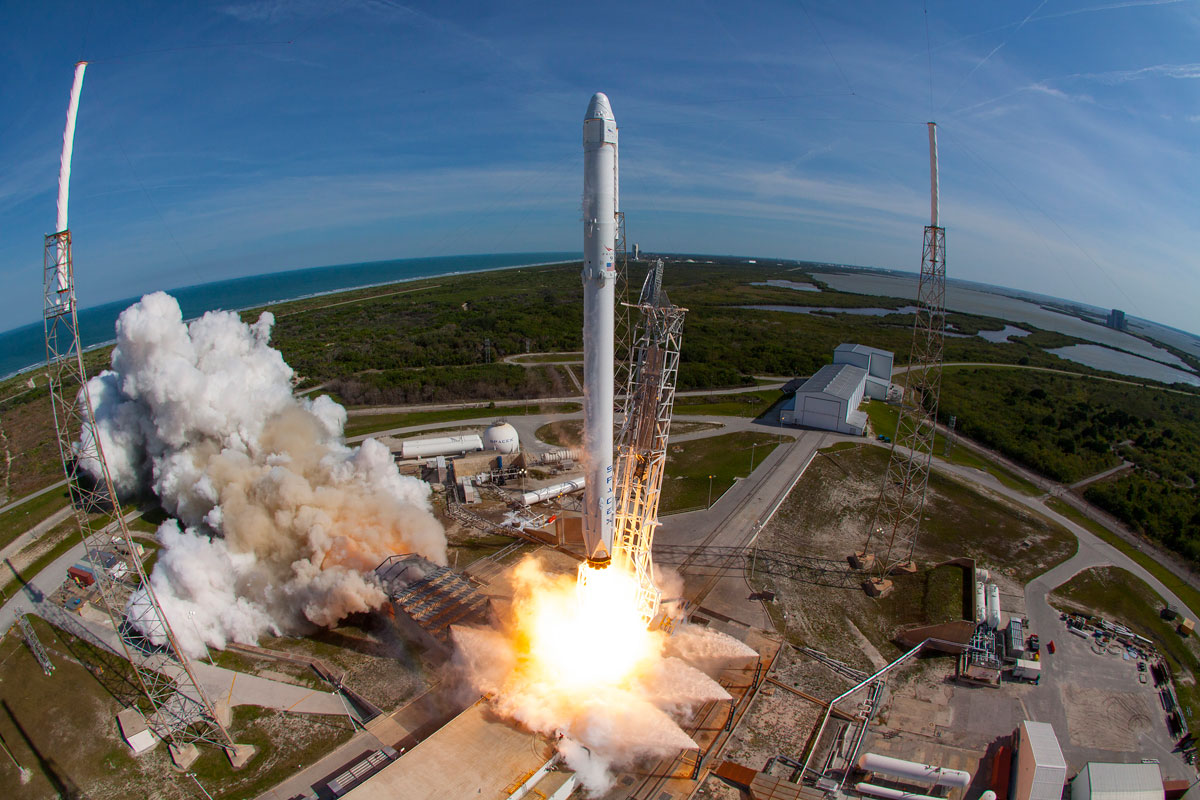 SpaceX Rocket Makes Historical Landing After Delivering Payload to ISS (2)