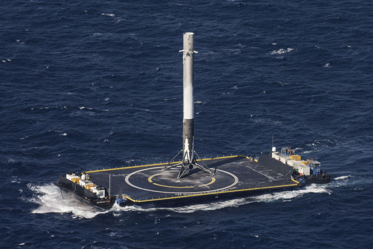 SpaceX Rocket Makes Historical Landing After Delivering Payload to ISS (5)
