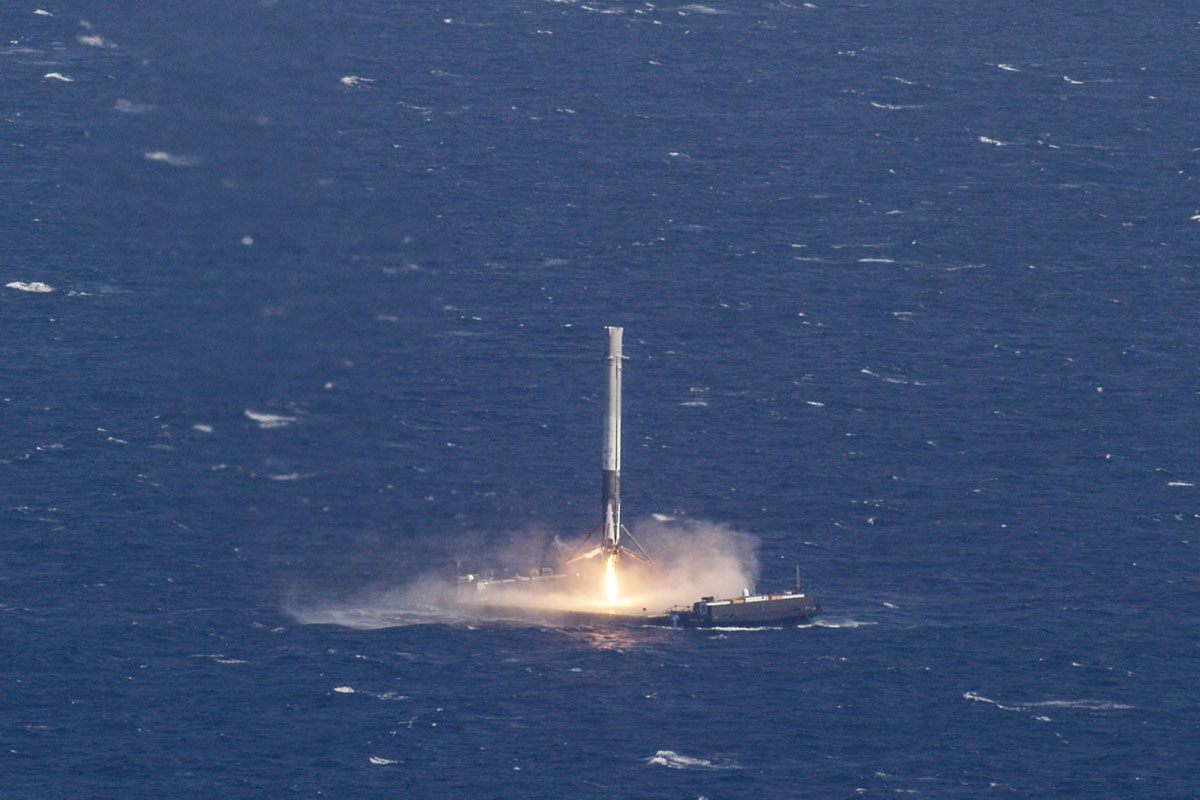 SpaceX Rocket Makes Historical Landing After Delivering Payload to ISS (6)