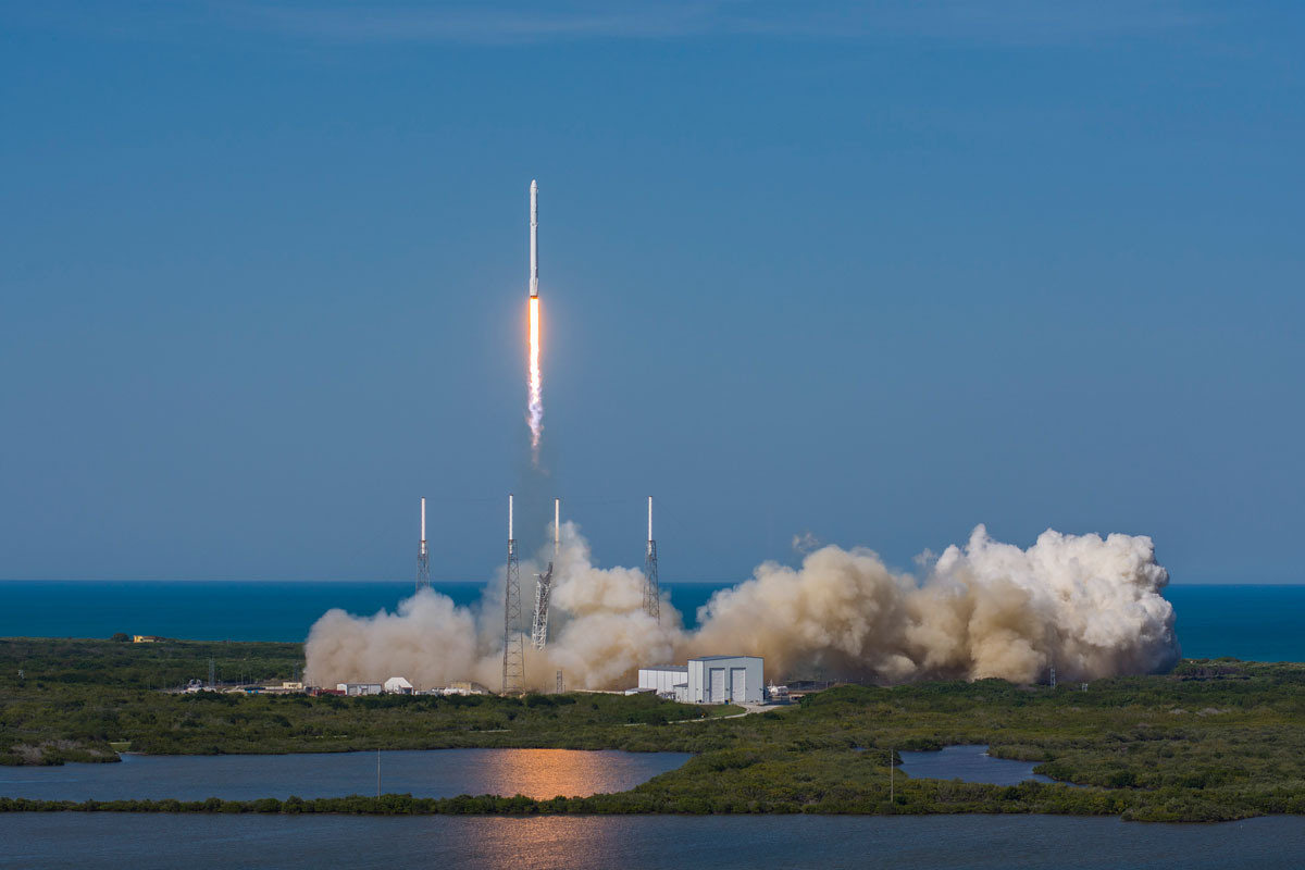SpaceX Rocket Makes Historical Landing After Delivering Payload to ISS (8)