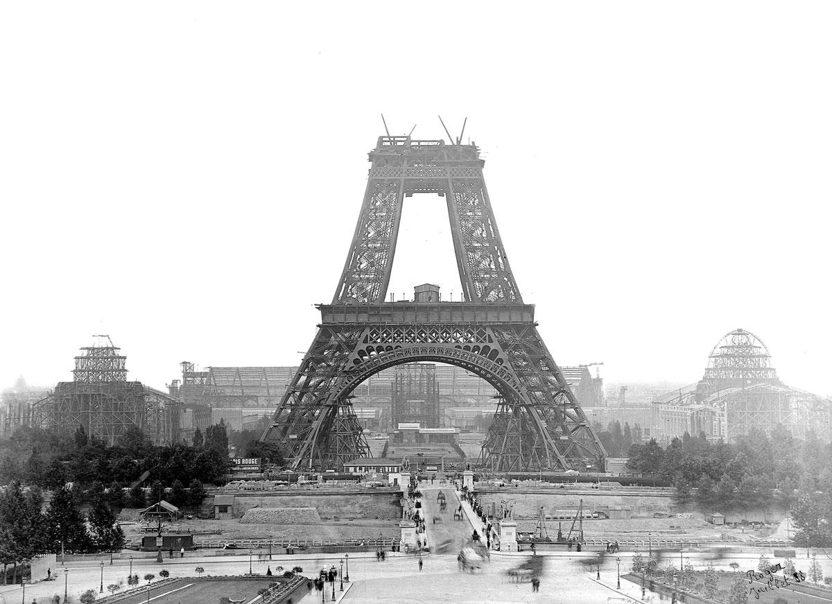 TPTM_08_Eiffel_Tower_1888_BW