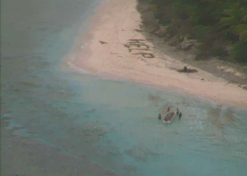 Aircraft Spots HELP Sign on Beach, Rescues 3 Men Stranded on Remote Island (3)