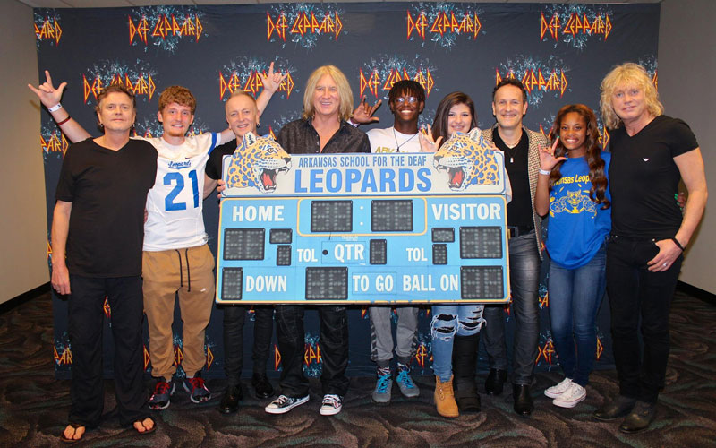 deaf leopards meet def leppard Picture of the Day: When Def Leppard Met the Deaf Leopards