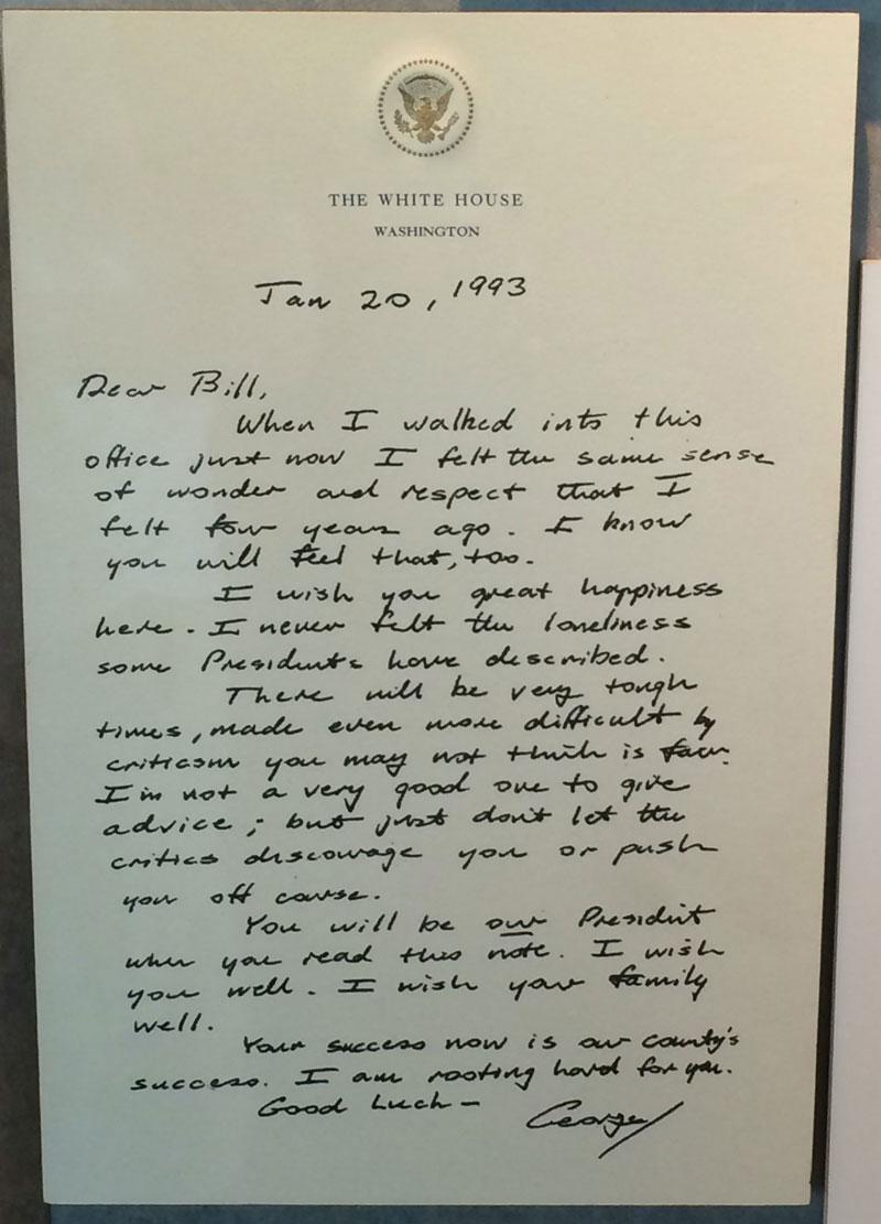 Before He Left Office Bush Sr Left This Touching Letter for Bill Clinton (2)
