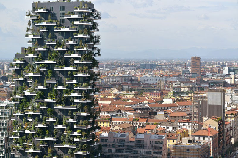 Bosco Verticale vertical forest residential towers by boeri studio milan italy (2)
