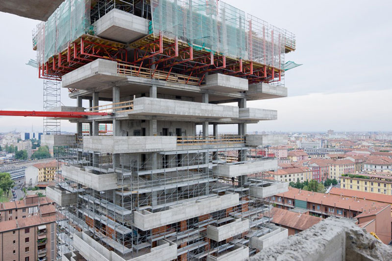 Bosco Verticale vertical forest residential towers by boeri studio milan italy (9)