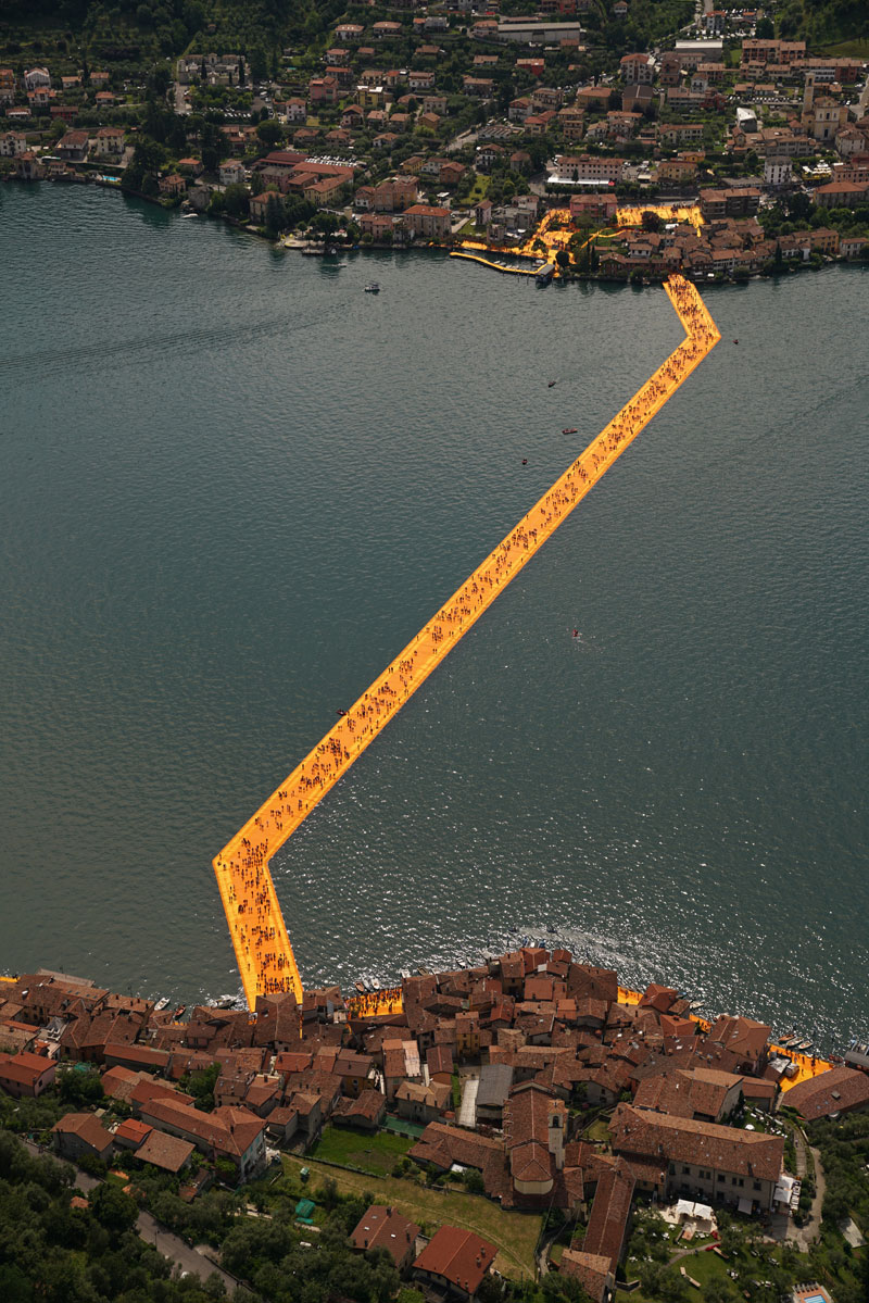 CHRISTO AND JEANNE-CLAUDE FLOATING PIERS LAKE ISEO ITALY (21)