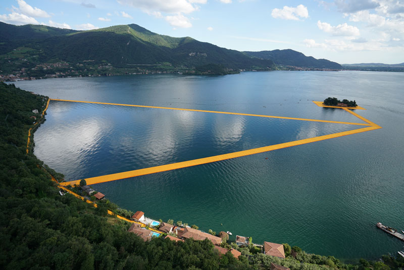 CHRISTO AND JEANNE-CLAUDE FLOATING PIERS LAKE ISEO ITALY (4)