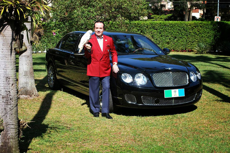 Millionaire Sparks Uproar With Demand to Be Buried With Bentley raise awareness organ donation (1)