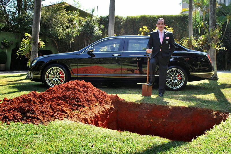 Millionaire Sparks Uproar With Demand to Be Buried With Bentley raise awareness organ donation (3)