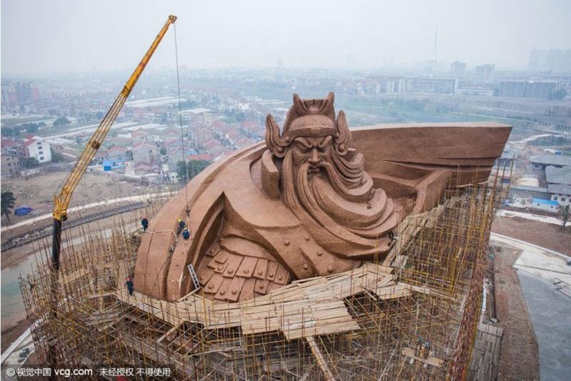 god of war guan yu statue jingzhou china (1)