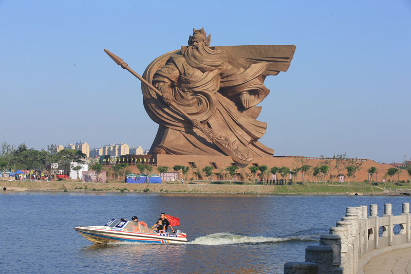god of war guan yu statue jingzhou china (6)