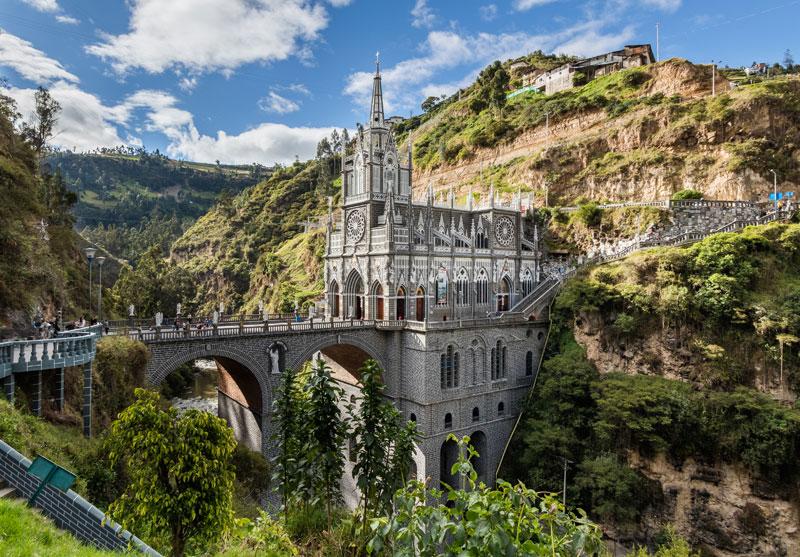 Santuario_de_Las_Lajas,_Ipiales,_Colombia,_2015-07-21,_DD_21-23_HDR-Edit