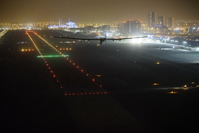 solar impulse Plane circumnavigates globe Without single Drop of Fuel (17)