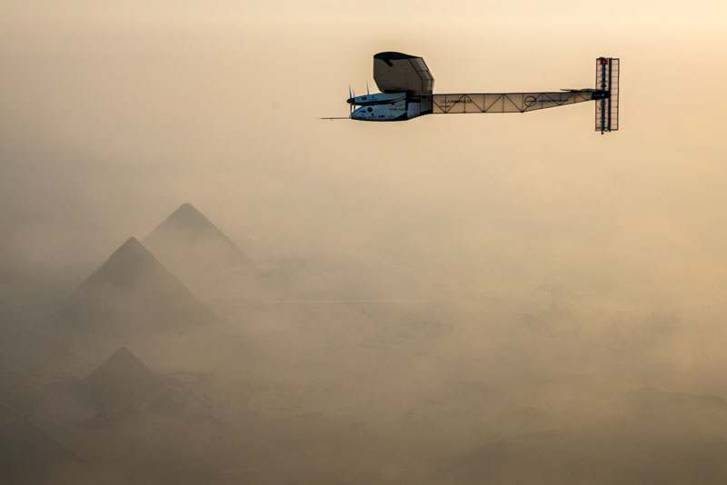solar impulse Plane circumnavigates globe Without single Drop of Fuel (21)