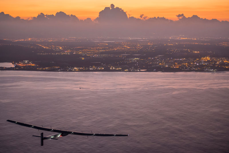 solar impulse Plane circumnavigates globe Without single Drop of Fuel (3)