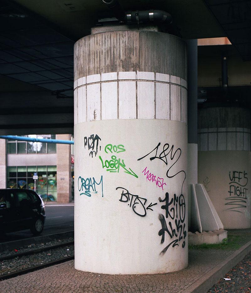 Street Artist Mathieu Tremblin Makes Graffiti Legible By Rewriting Them in Plain Text (5)